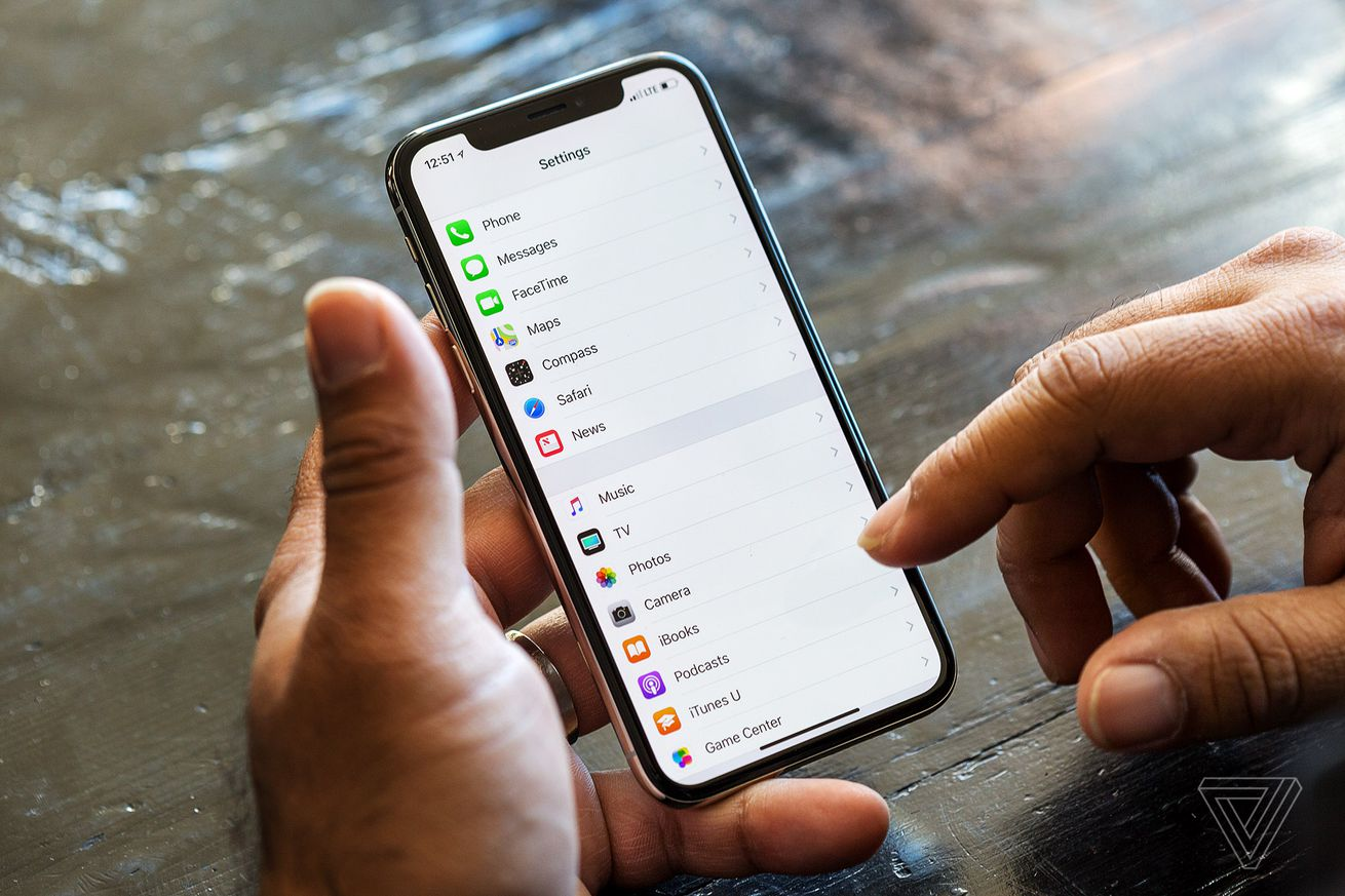 apple could launch two new full screen iphones next year