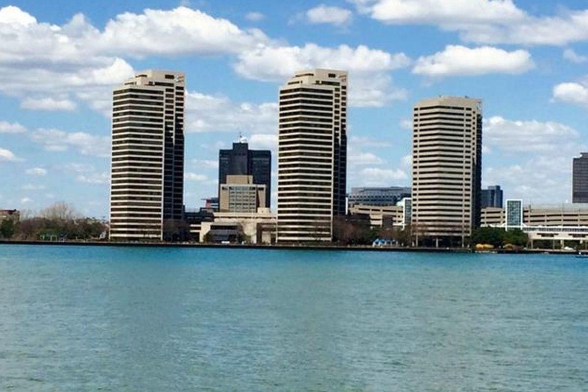 Riverfront Condo Offers 1 Bedroom 1 Bath Asks 154 9k
