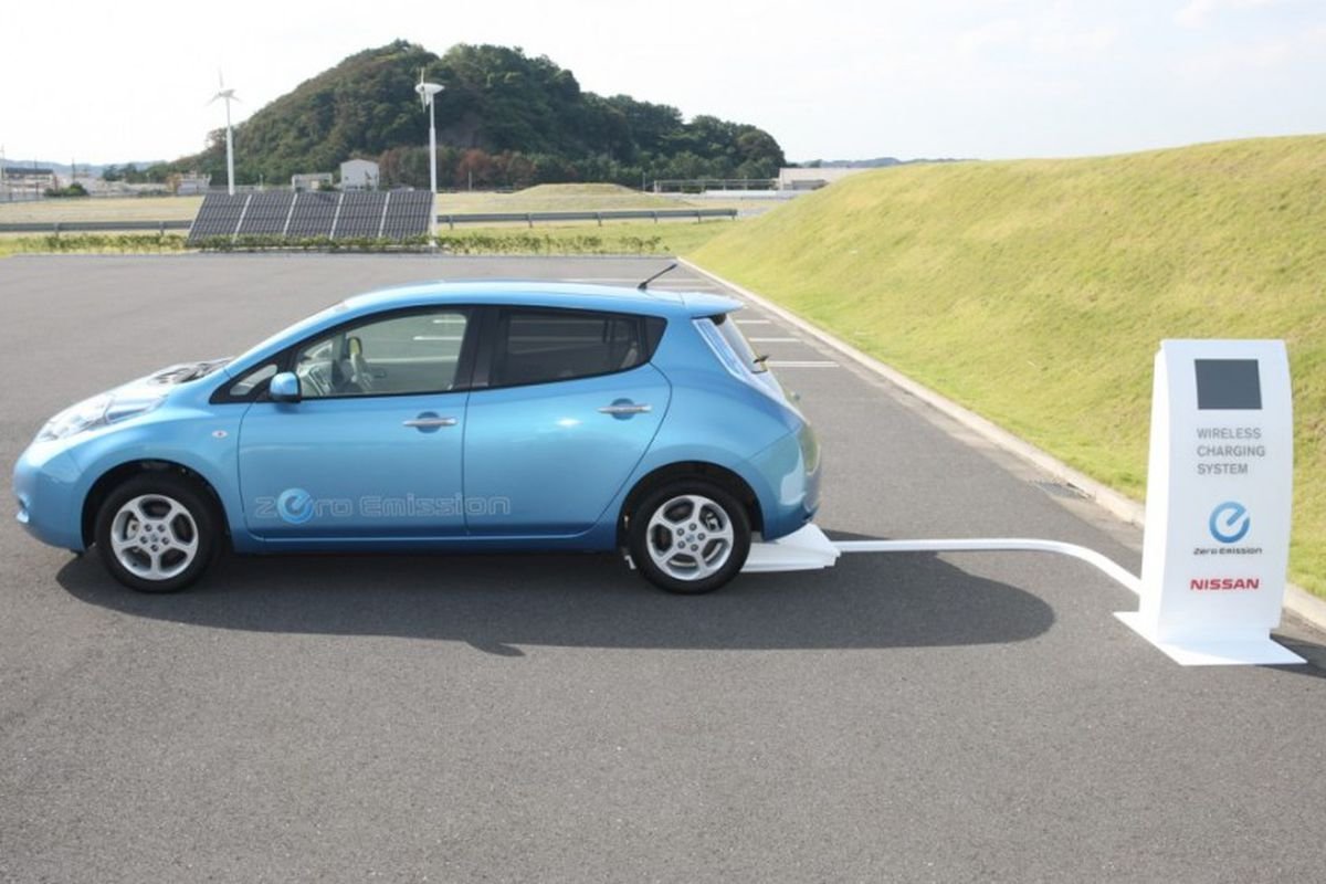 Nissan Daimler Other Manufacturers Working On Wireless Charging For Electric Vehicles