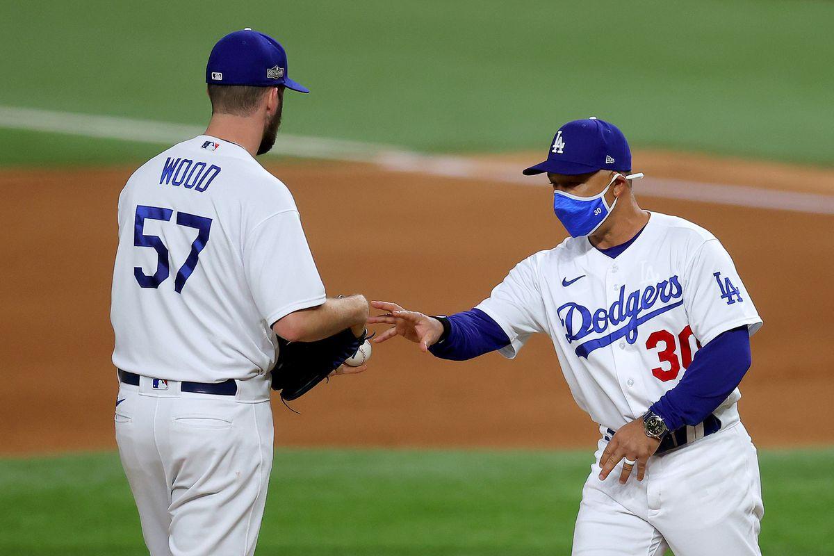 League Championship - Atlanta Braves v Los Angeles Dodgers - Game Two
