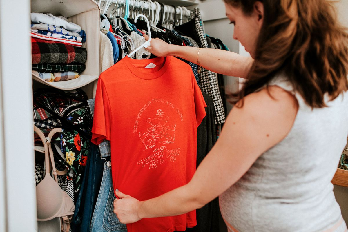 b94a229c1f8ac Maternity Clothes Have Always Been Complicated - Vox