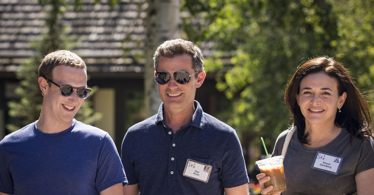 Facebook's board is throwing public support behind board members Mark Zuckerberg and Sheryl Sandberg