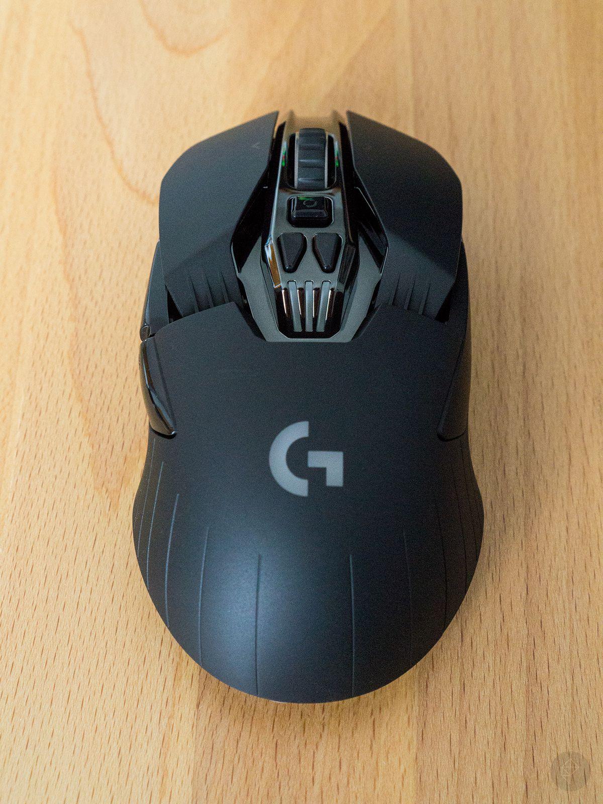 Logitech G900 photo 02 (Poly wm) 1440