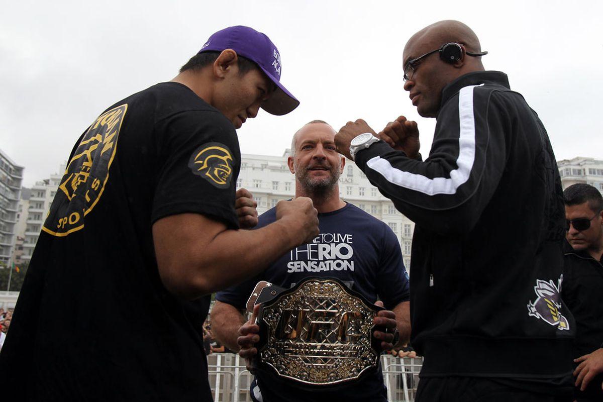 """Photo via <a href=""""http://video.ufc.tv/134/photos/workouts/ufc134_workouts_018.jpg"""">UFC.com</a>"""