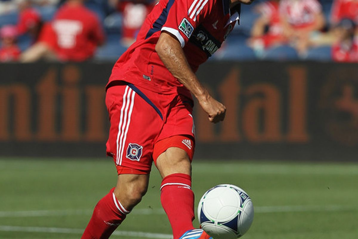 BRIDGEVIEW, IL - JUNE 17: Marco Pappa #16 of the Chicago Fire passes the ball against the New York Red Bulls during an MLS match at Toyota Park on June 17, 2012 in Bridgeview, Illinois.  (Photo by Jonathan Daniel/Getty Images)