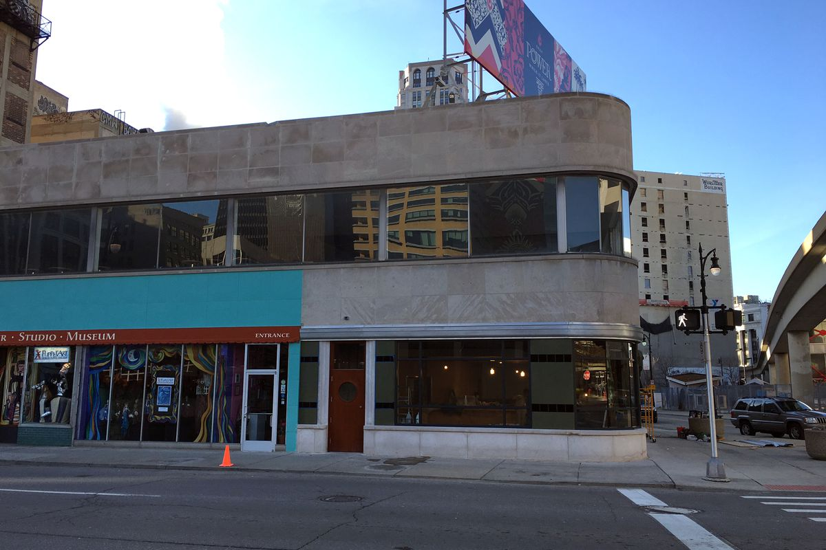 Queen's Bar will take over a corner space previously occupied by the Biegas Gallery.
