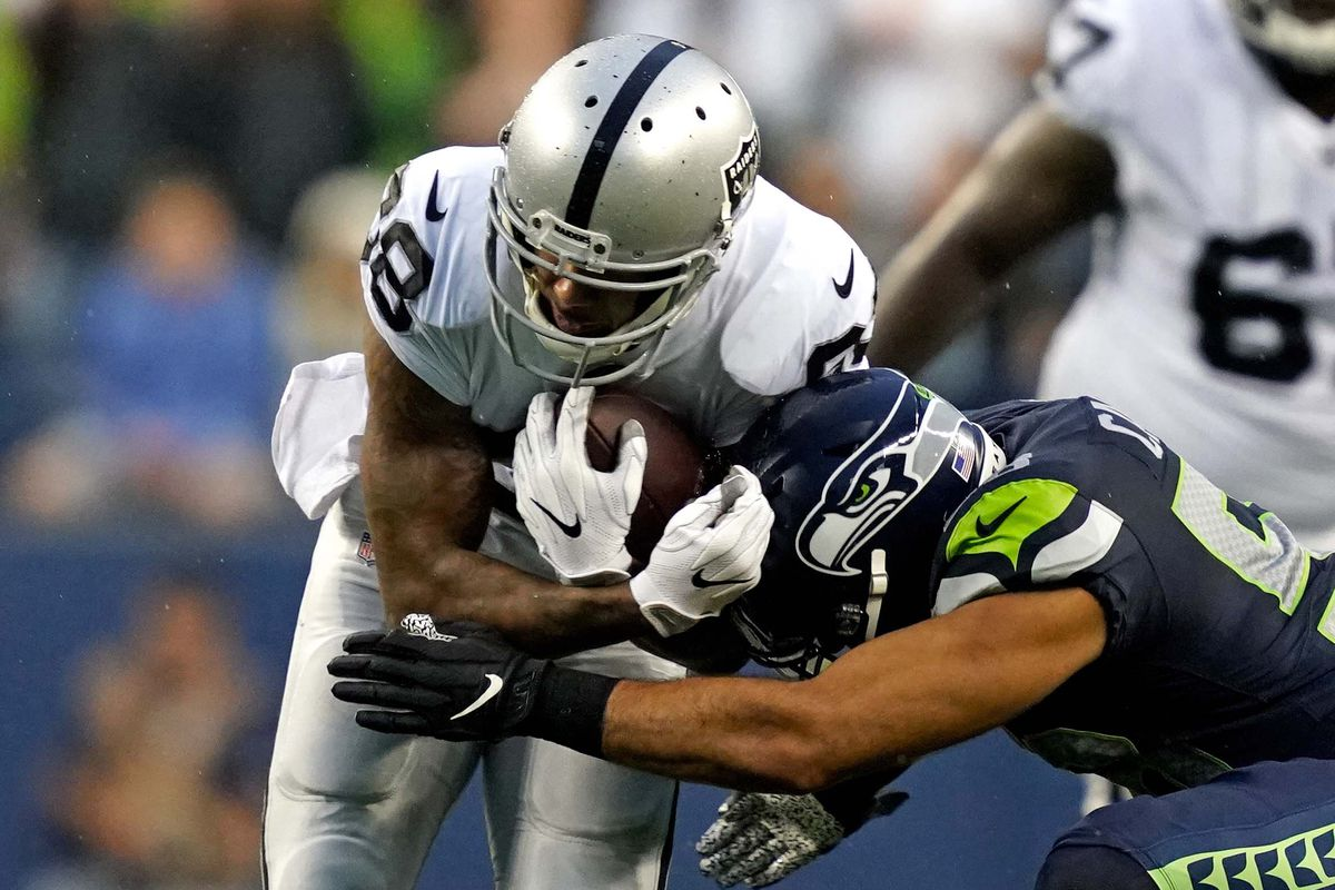 Final Score Oakland 15 Seattle 17 Seahawks Nip Raiders Spoil Oakland S Undefeated Preseason Silver And Black Pride