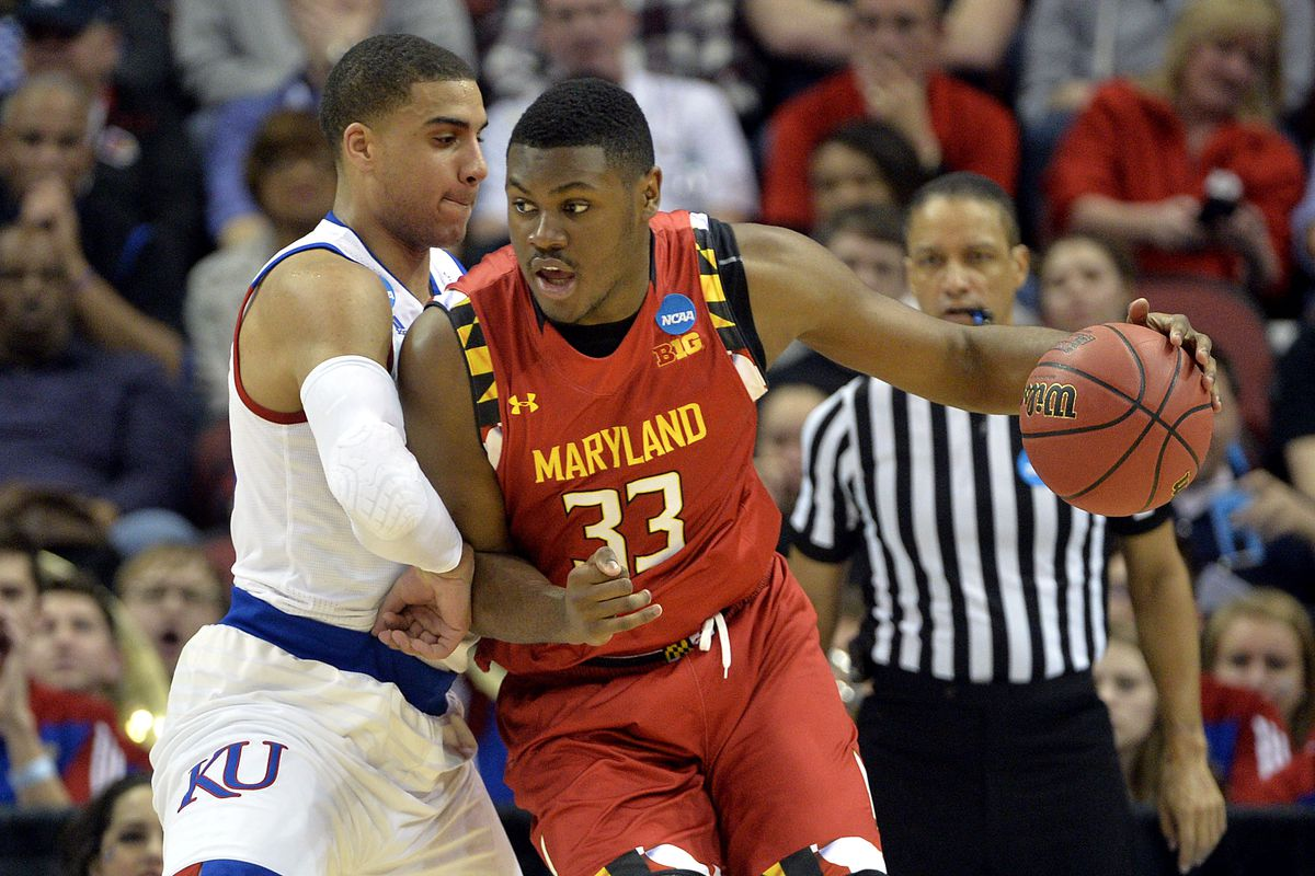 Diamond Stone receives the ball in the post vs. Kansas. If numbers tell us anything, he most likely shot the ball here
