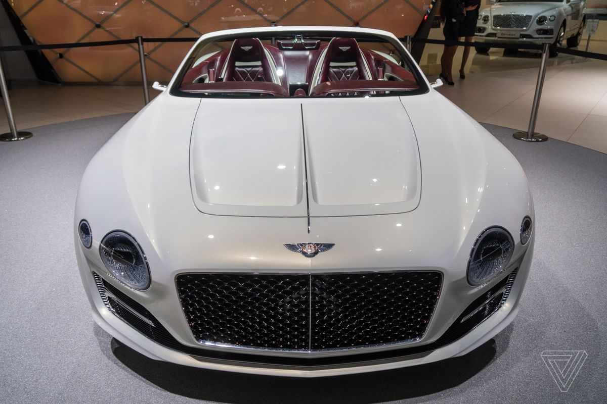 Bentley Wanted To Bring A Surprise This Year S Geneva Motor Show And It Certainly Achieved Its Goal By Unsheathing Snow White All Electric Concept