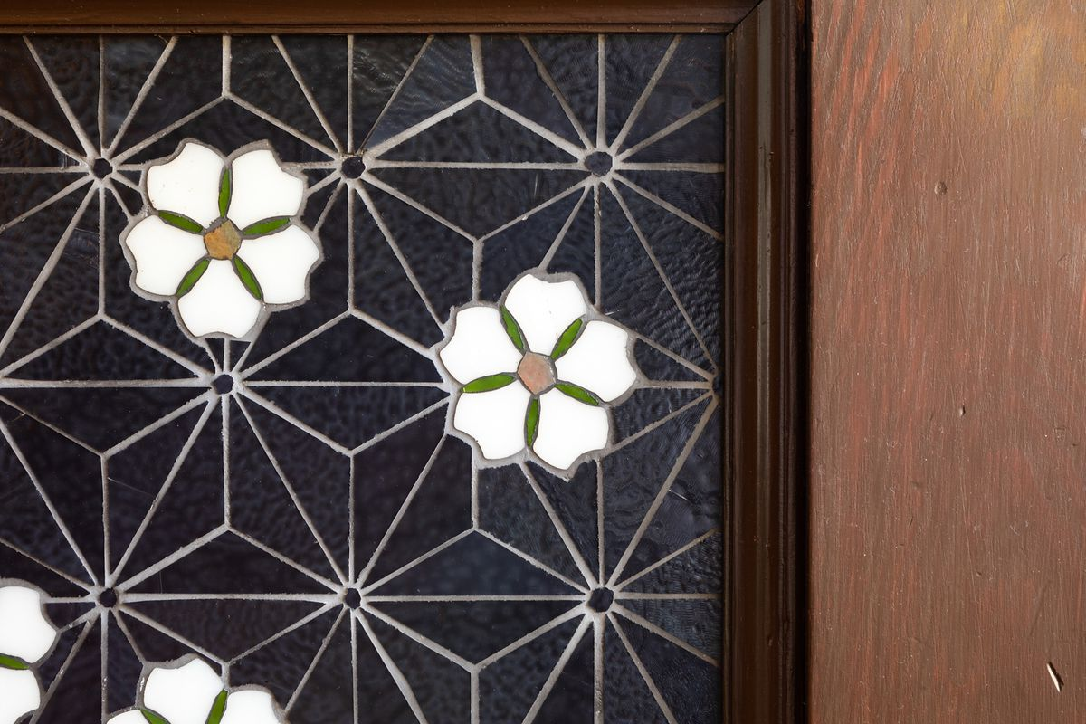 a5224a45456e Oakland stained-glass artist creates original designs in timeless ...