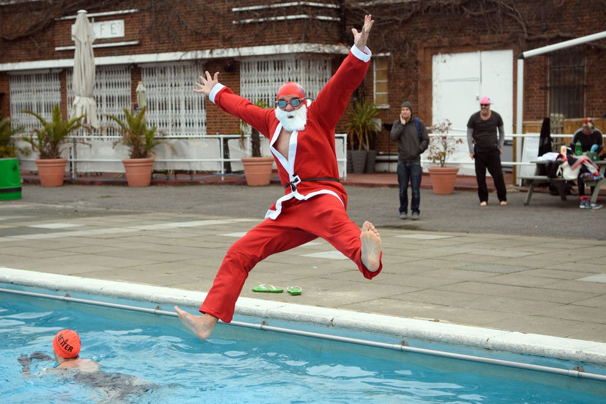 Christmas Day Swimmers At Brockell Lido