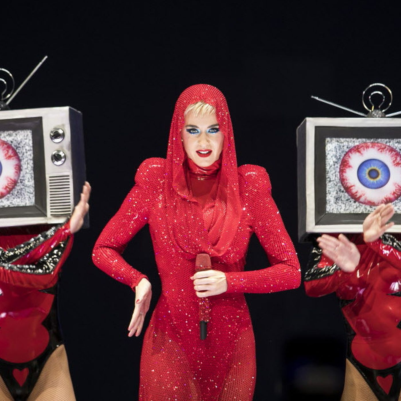 9a8a6a60ed8 Katy Perry wows at United Center in eye-popping extravaganza - Chicago  Sun-Times