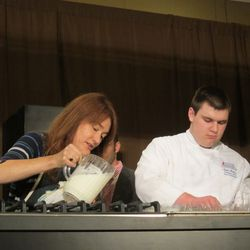 Andrea Reusing and assistant at Southern Chemistry demonstration (photo by Raphael Brion)