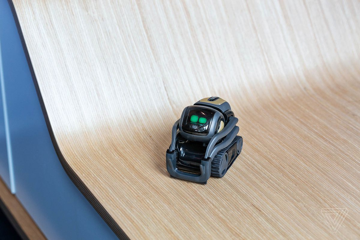 The new Anki Vector robot is smart enough to just hang out