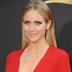 BEST USE OF SMOOTHING SERUM: Stick straight hair without flyaways? Brittany Snow for the win. (Hair: Aviva Perea/Makeup: Andre Sarmiento)