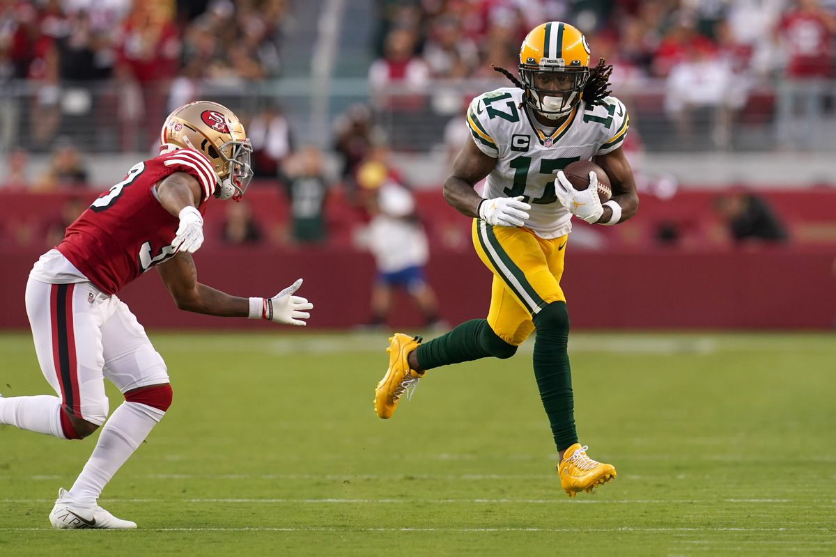 Green Bay Packers wide receiver Davante Adams (17) runs with the ball after making a catch against the San Francisco 49ers in the second quarter at Levi's Stadium.