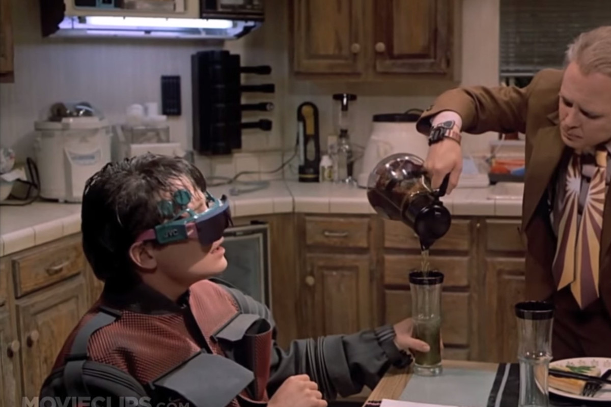 3D glasses in 2015, as depicted by Hollywood in 1989.