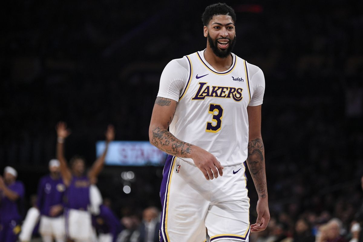 Los Angeles Lakers forward Anthony Davis reacts after tossing an assist during the third quarter against the Atlanta Hawks at Staples Center.