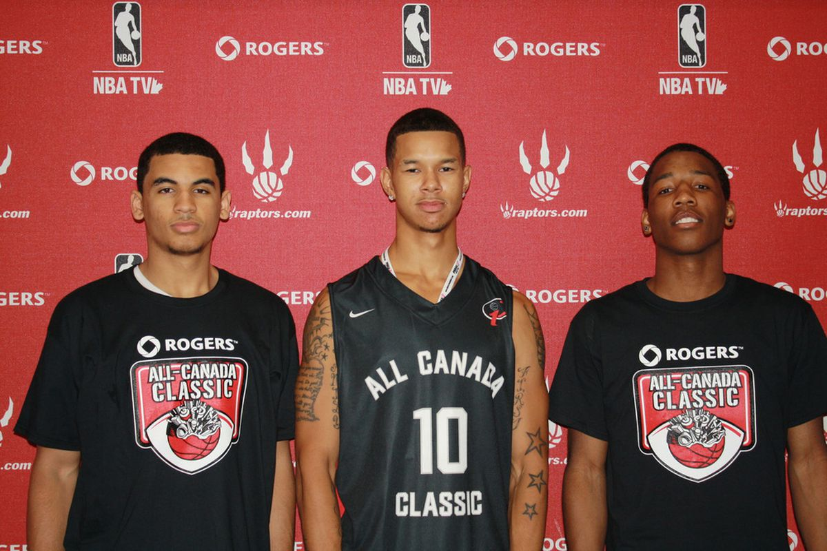 Negus Webster-Chanflanked on the left by Naz Long and Ty Scott on the right, put on an incredible performance in the 2011 edition of the All Canada Classic.  Too bad so few were there to see it in person ...