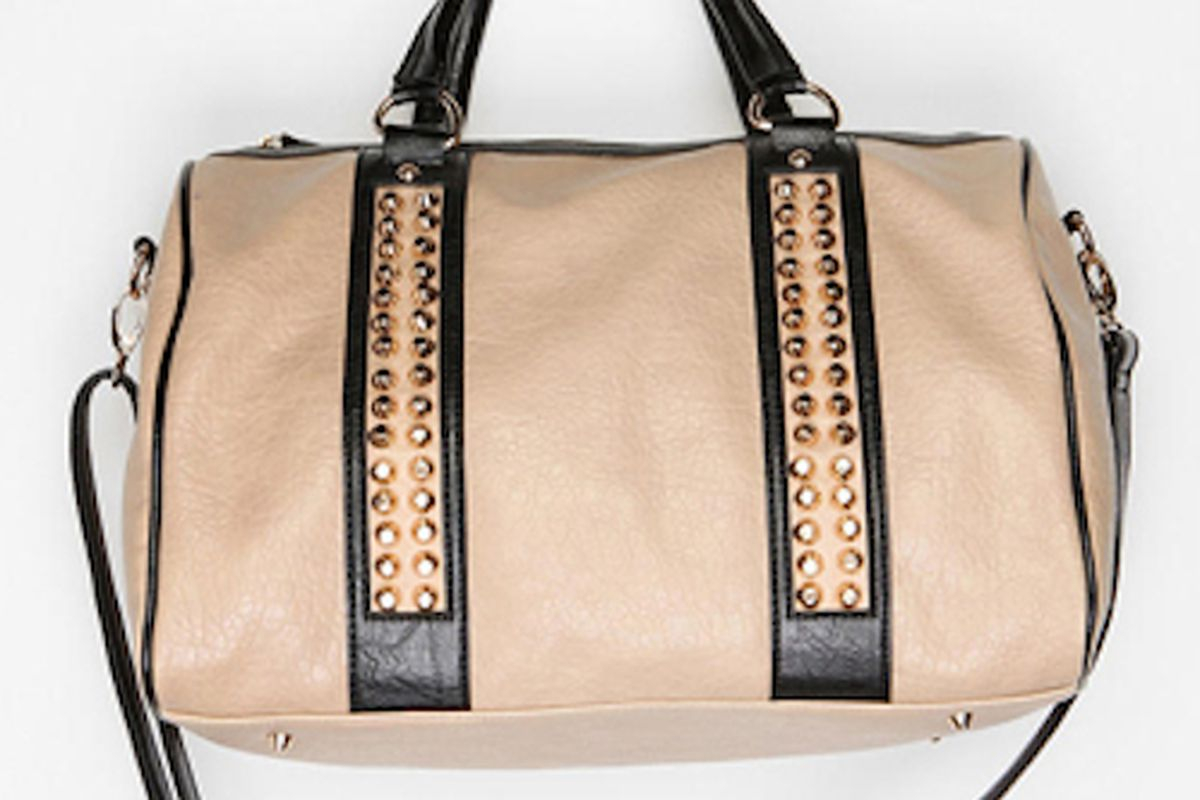 """Be a stud: carry a duffel. Image via <a href=""""http://www.refinery29.com/duffel-bag-style-purses-for-women"""">Refinery29</a>"""