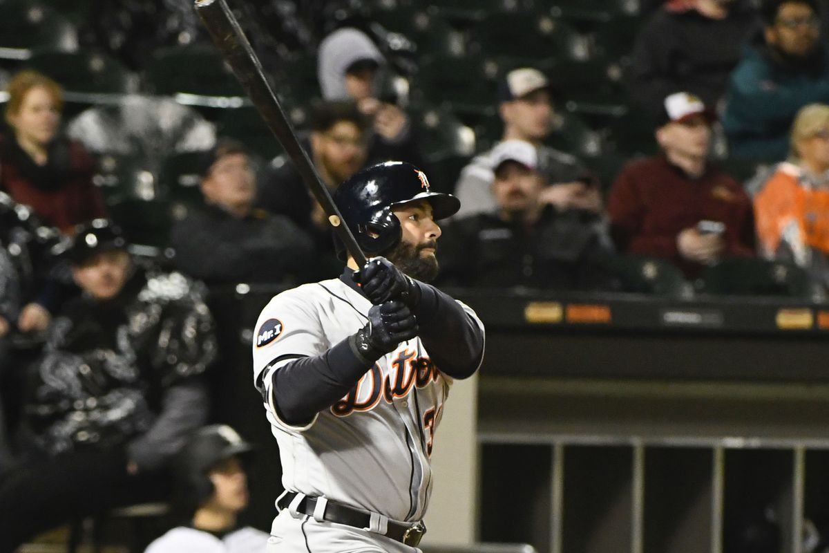 Cabrera, Martinez lead Tigers in 15-5 win over White Sox