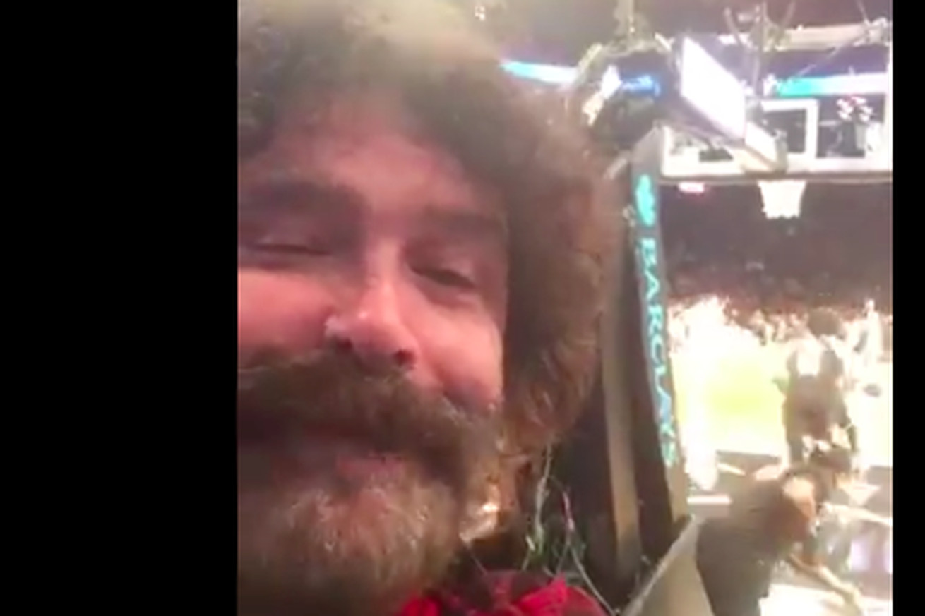 Screen Shot 2019 01 30 at 3.33.58 PM.0 - WWE legend Mick Foley got confused for Robin Lopez's dad at the Nets-Bulls game