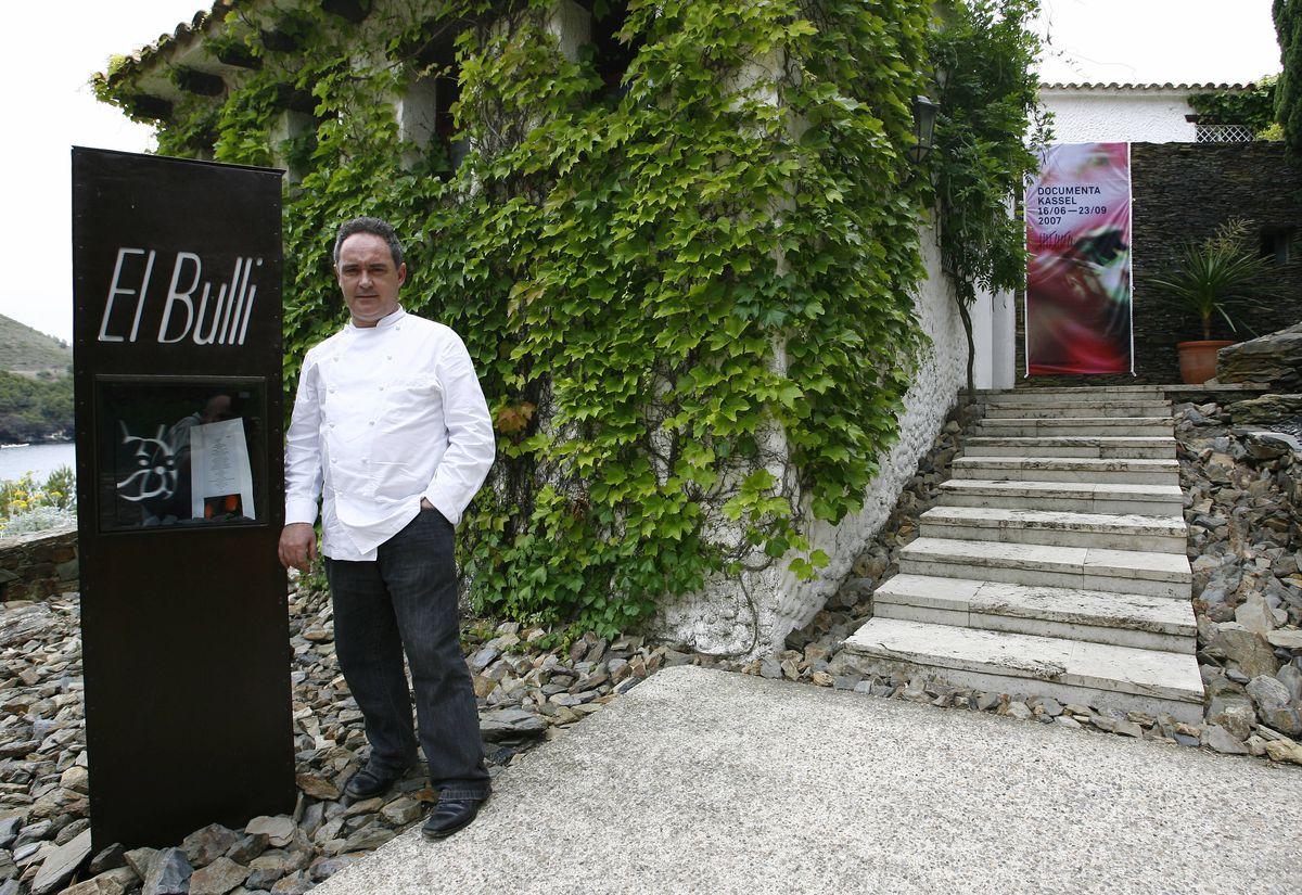 Ferran Adrià in front of El Bulli