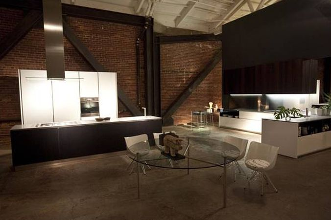 It S Easy To Lose Yourself Among The Luxe Vignettes In This Design District Showroom While You Can Certainly Go Check Out All Best Italian Furniture