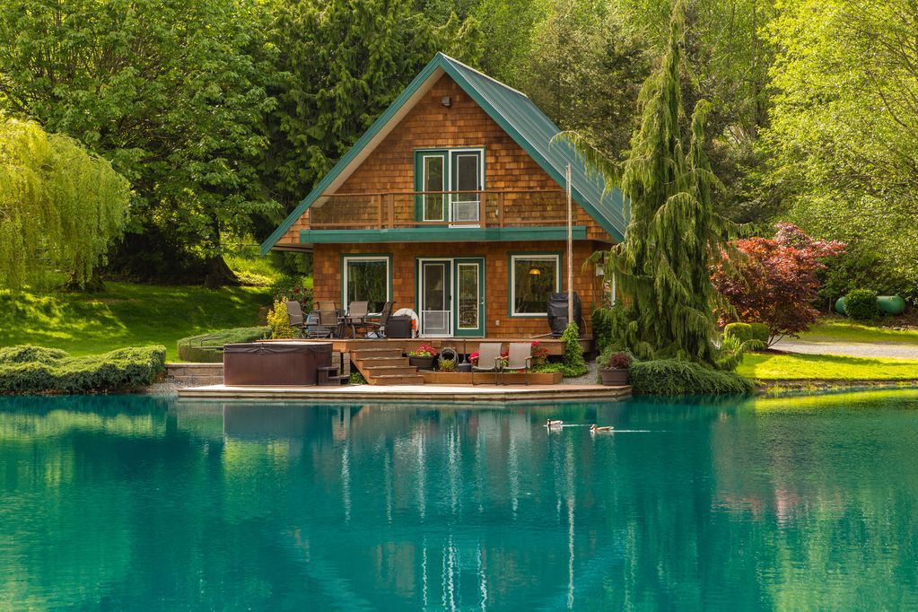Vacation rentals: 7 serene lake houses to rent this summer - Curbed
