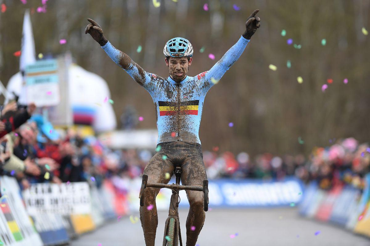 Van Aert wins Bieles Worlds 2017