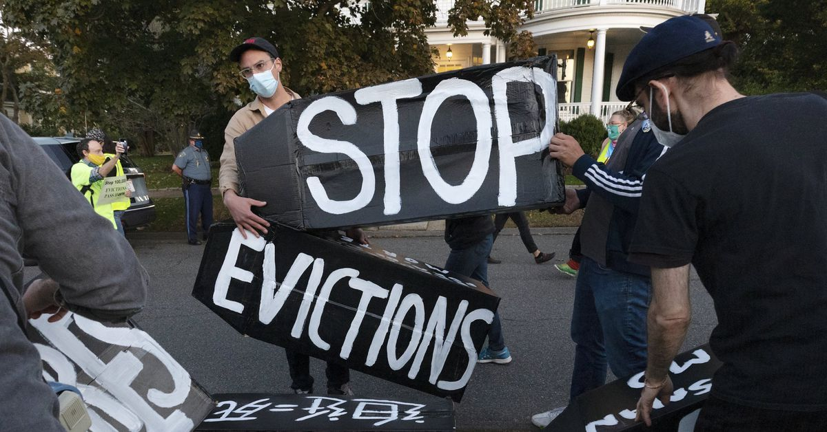 As pandemic ebbs in Illinois, let's do right by struggling renters — but also hard-hit landlords