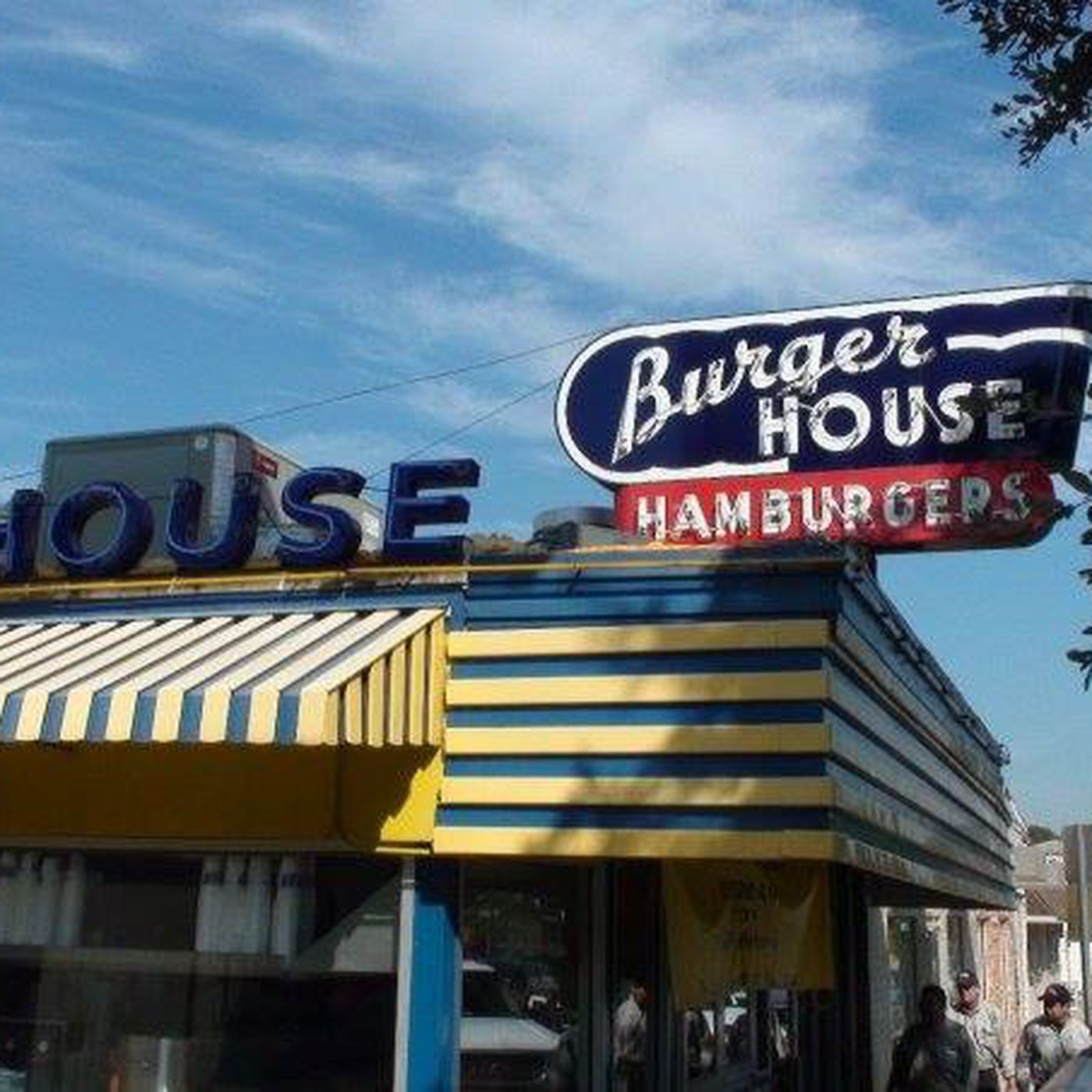 Why 64-Year-Old Dallas Institution Burger House Has Legions of Loyal ...