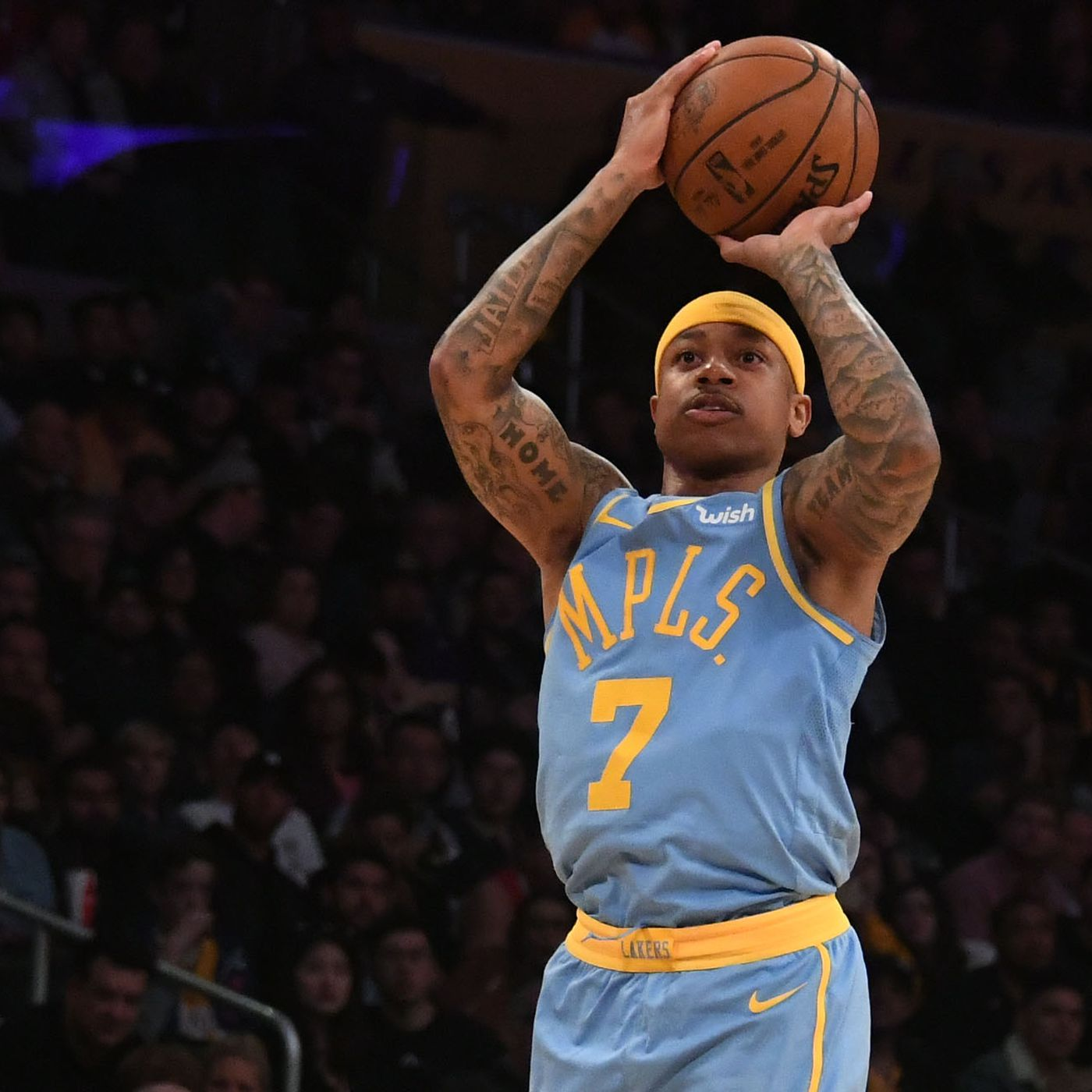 Lakers News  Isaiah Thomas switching jersey number back to 3 ... ed3217ec3be