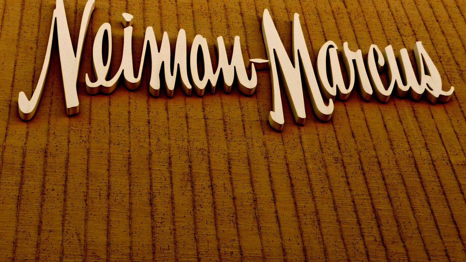Neiman marcus credit card - Neiman Marcus Ceo Apologizes For Data Breach Offers Free Credit Monitoring The Verge