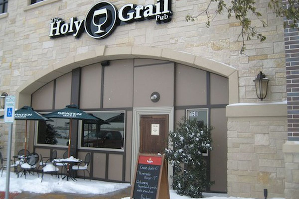 Holy Grail Pub celebrates Cinco de Mayo with some tacos and lots of drinks.