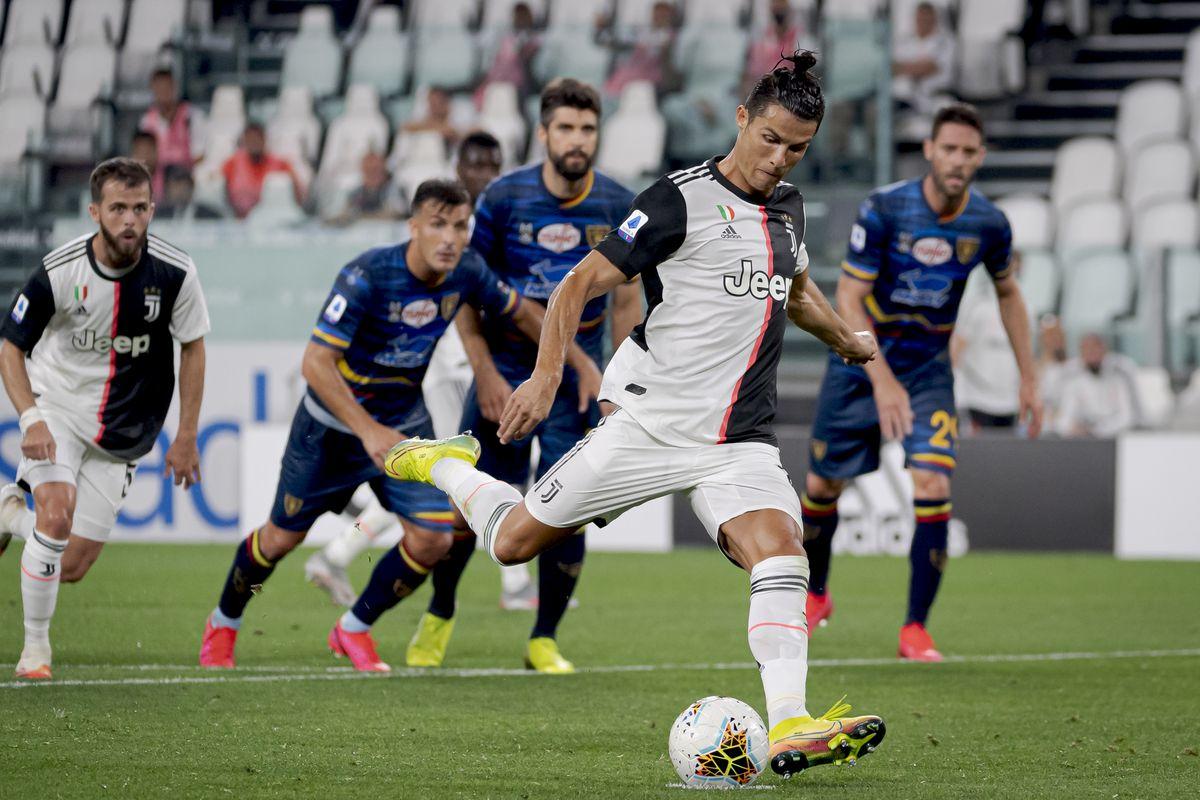Juventus v Lecce - Italian Serie A