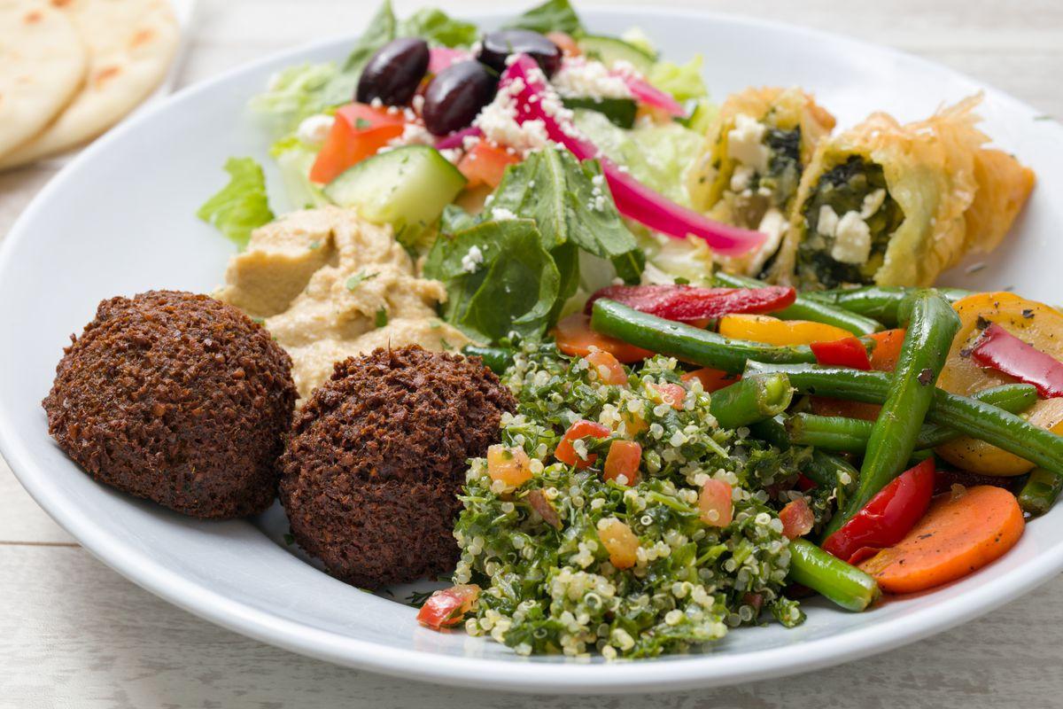 Daphne's Mediterranean's vegetarian plate