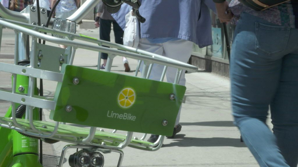 LimeBike launched services in Chicago on Wednesday, May 2, 2018. | Eliza Davidson/Sun-Times