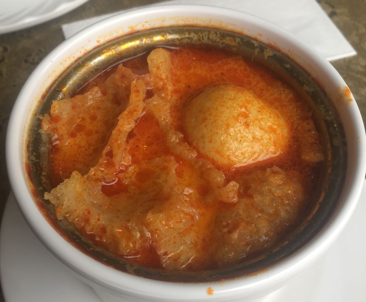 Fish ball and pig skin curry at Kam Tong in Queensway