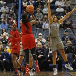 UConn�s Gabby Williams (15) tries to block the shot of Maryland Terrapins guard Ieshia Small (1).