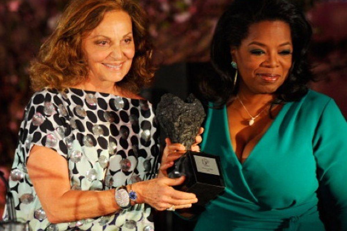 DVF presents award to Oprah, via Getty