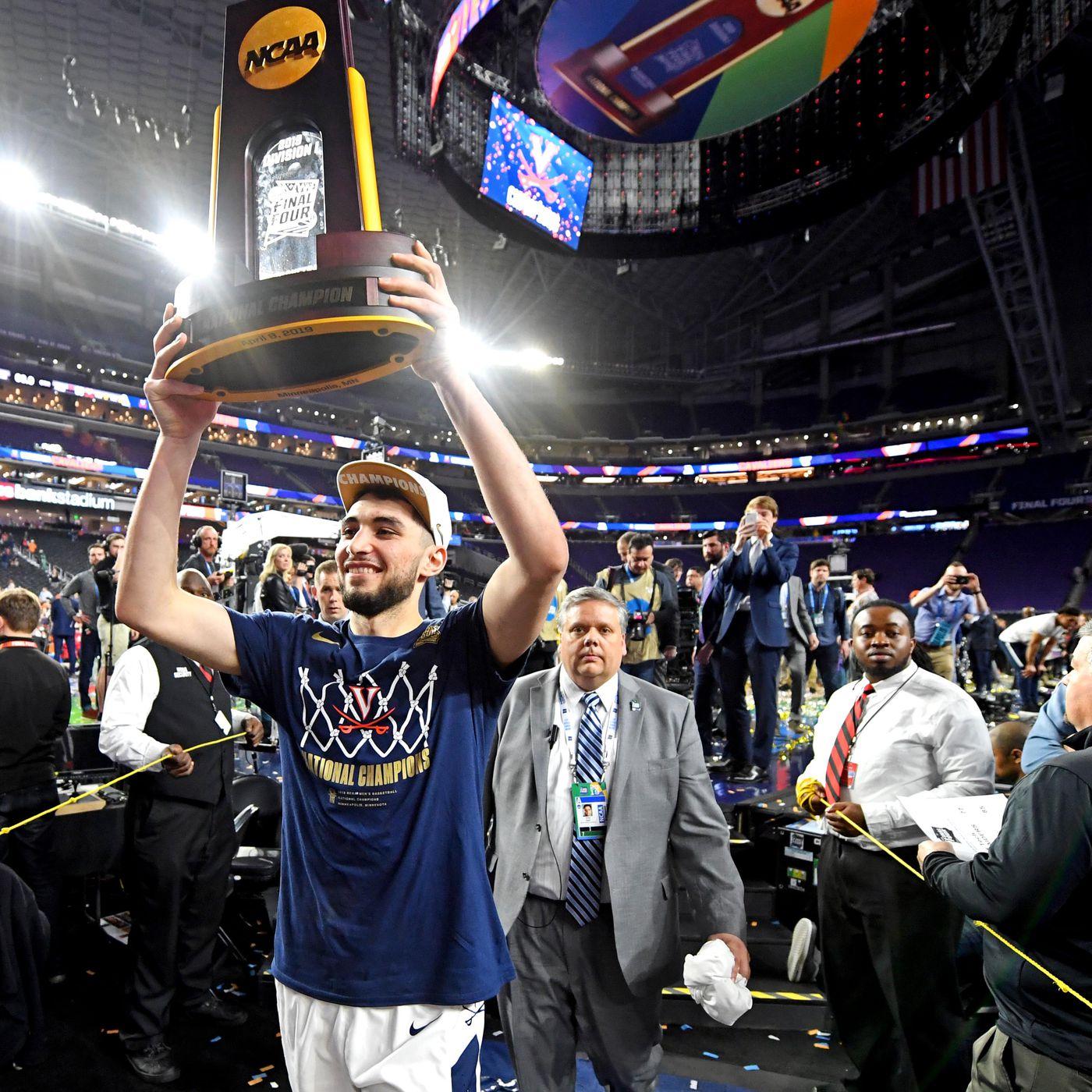 Elite Fan Shop Virginia Cavaliers National Basketball Champions Tshirt 2019 Official Logo Navy