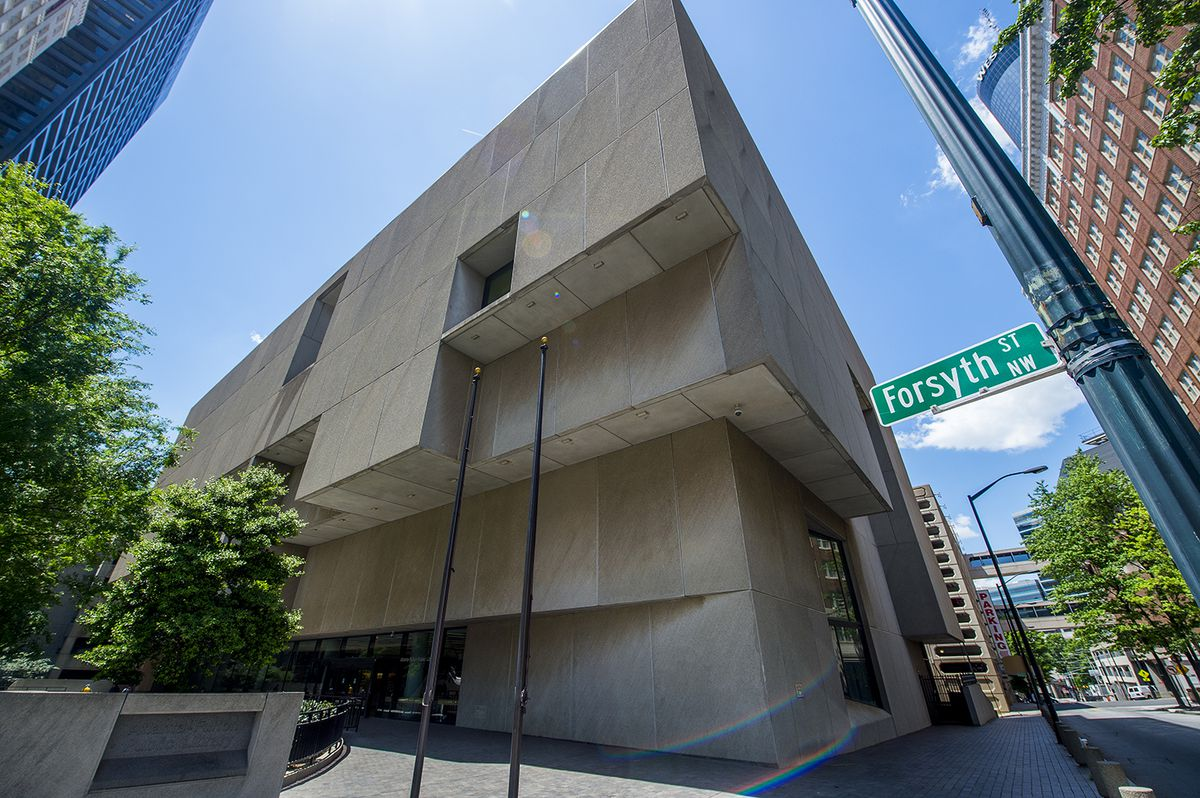 A photo of Atlanta Central Library from Forsyth and Carnegie streets.