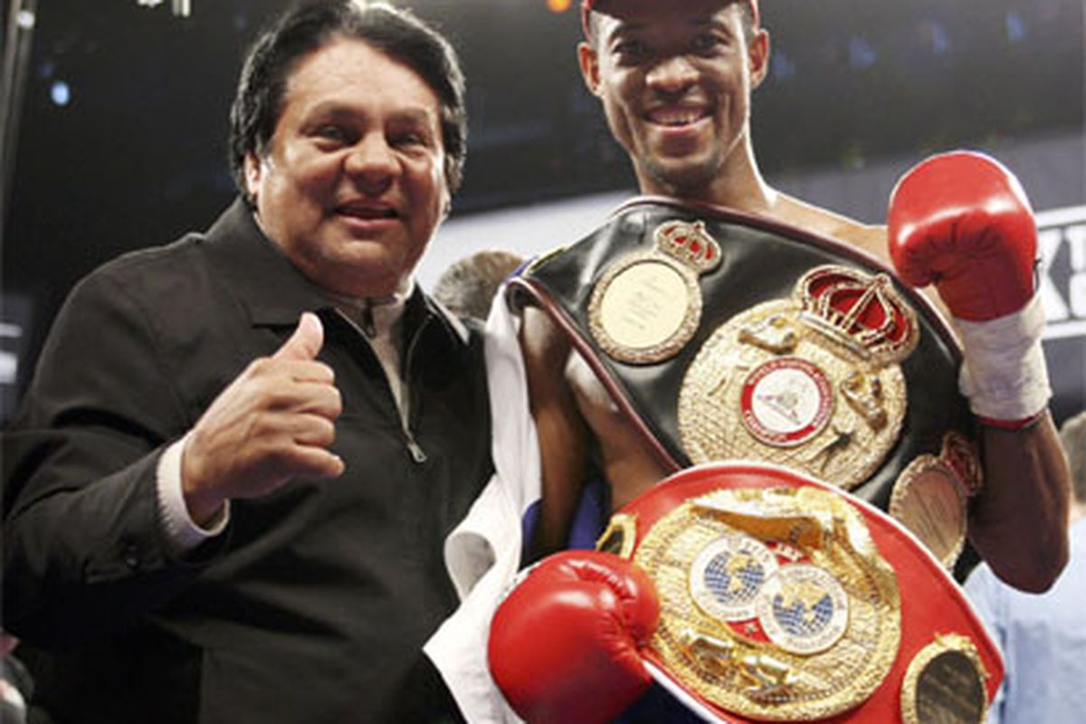 """Celestino Caballero (seen here with Roberto Duran) may get his wish: A January 122-pound unification fight with Juan Manuel Lopez. (via <a href=""""http://www.notifight.com/artman2/uploads/2/caballeromolitorSho410NF3.jpg"""">www.notifight.com</a>)"""