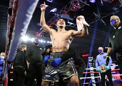 EknkEZqXgAElZ9Y - Teofimo deserves credit for what he did right, rather than what Lomachenko did wrong