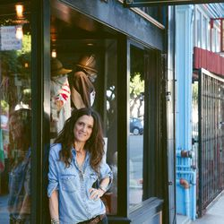 """Andrea Linett at Reliquary, Photo by <a href=""""http://aubriepick.com"""">Aubrie Pick</a>"""