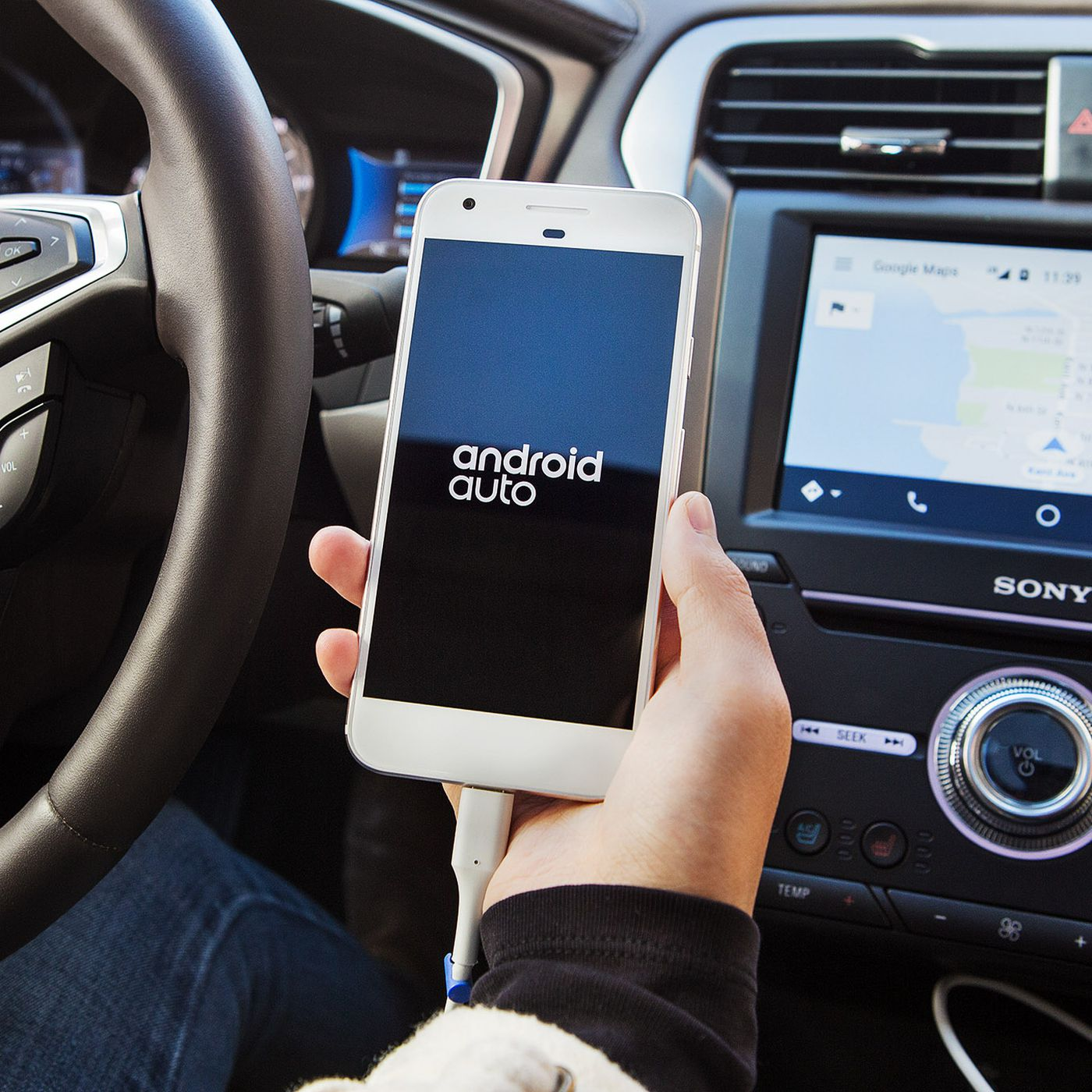 Ford update brings Android Auto and Apple CarPlay to its 2016 fleet