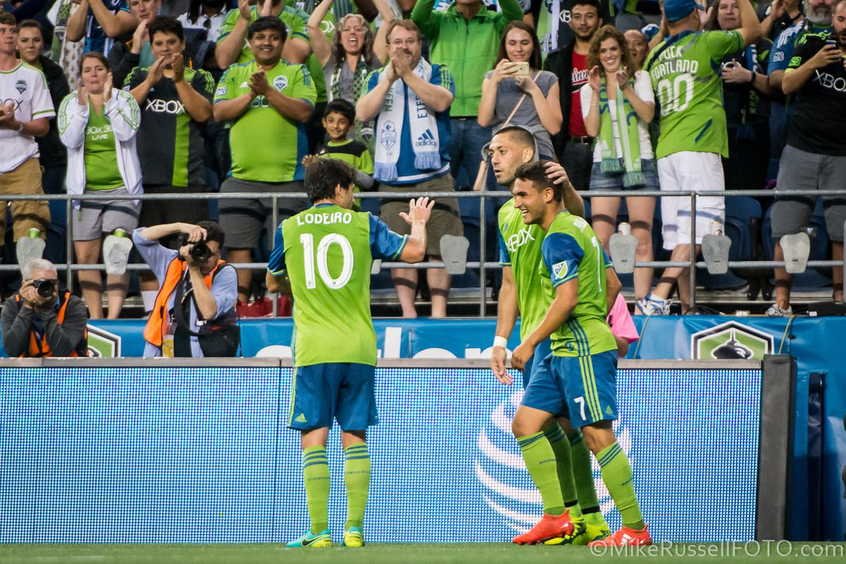 Sounders Salaries 2018 Clint Dempsey Takes A Haircut Sounder At Heart