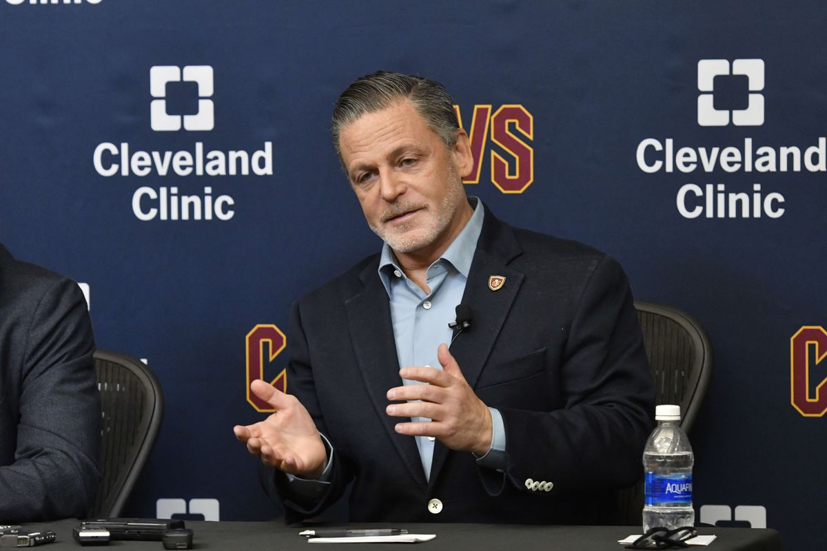"d6fb34acc79 Dan Gilbert is reportedly ""fixated"" on LeBron James  future with the Cavs"