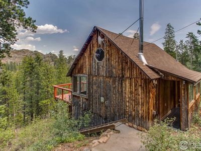 Tiny homes for sale: 3 petite properties across the U.S.